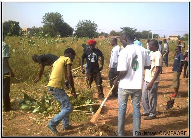 Opération « mana mana » au cimetière de Dagnoen de Ouagadougou